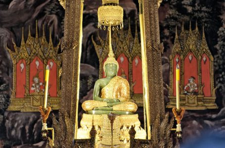 Legenda Emerald Buddha