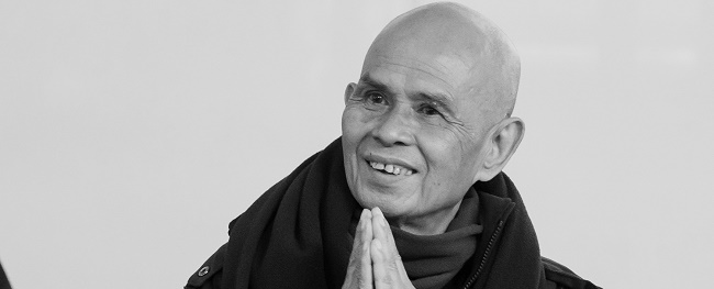 Thich-Nhat-Hanh-arrives-by-Kelvin-Cheuk copy